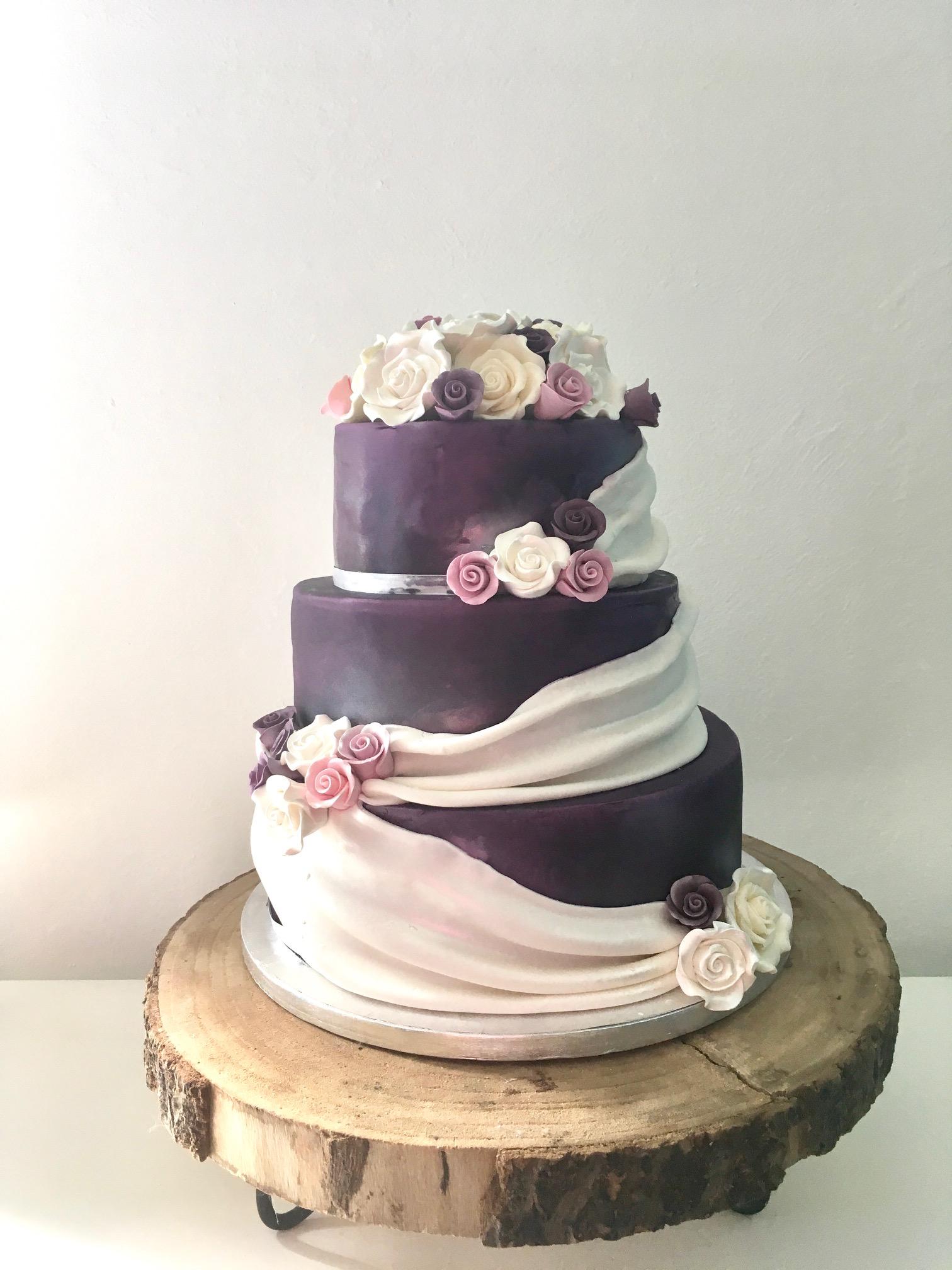wedding cake violet